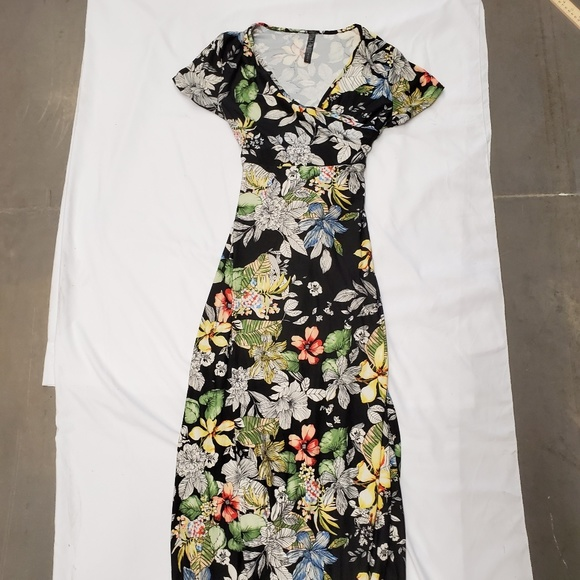 Rags and Couture Dresses & Skirts - Rags And Couture Maxi Dress Black Floral Print XL
